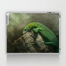 Thinking green thoughts... Laptop & iPad Skin