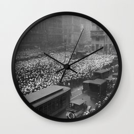 1921 10,000 gather in Times Square outside New York Times building to receive updates on the fight between boxers Jack Dempsey and Georges Carpentier Wall Clock