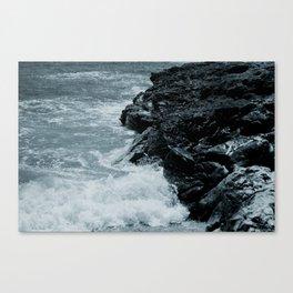 Crashing Waves On Rocks Canvas Print