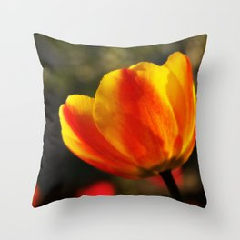 Tulip love (yellow) Throw Pillow