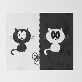 Catch the mouse Throw Blanket