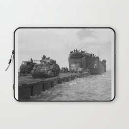 Lst-21 Unloads Tanks During Normandy Invasion Laptop Sleeve