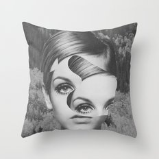 Cosmétique Throw Pillow