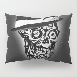 Elegant Skull with hat, B&W Pillow Sham