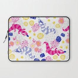 Paint me Pink - Blue Tounge Lizards Laptop Sleeve