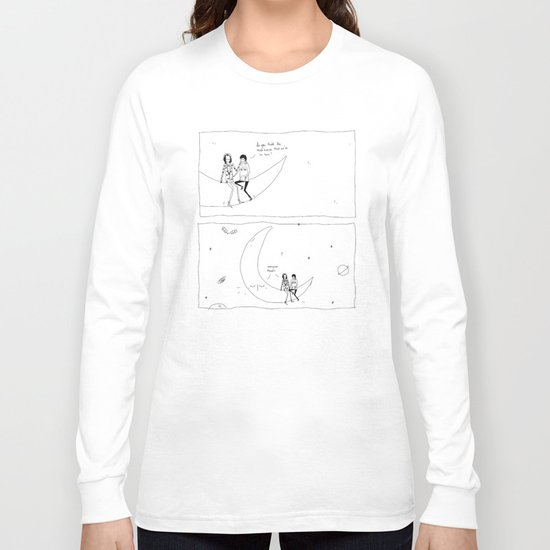the moon knows Long Sleeve T-shirt