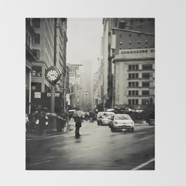 New York City - 5th Avenue in the Rain Throw Blanket