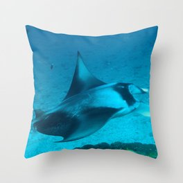 Manta ray at the cleaning station Throw Pillow