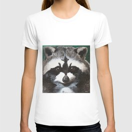 Raccoon - Charley - by LiliFlore T-shirt