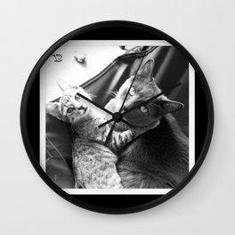 Gato Amore Wall Clock