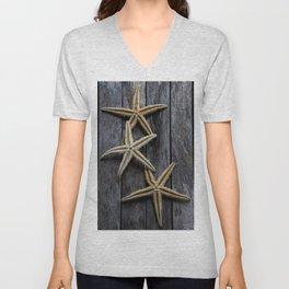 Starfishes in wooden Unisex V-Neck