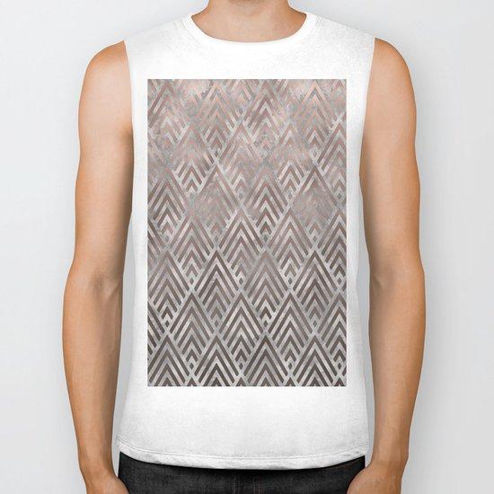Rosegold foil triangles on grey grunge background Biker Tank