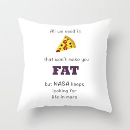 love pizza Throw Pillow