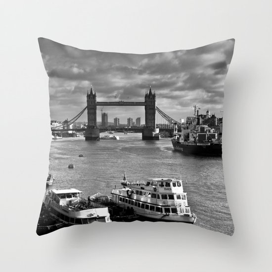 River Thames View Throw Pillow
