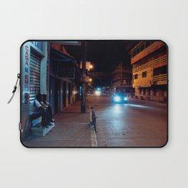 Una Noche Tranquila En Honduras Laptop Sleeve