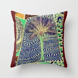 Jardin 4 Throw Pillow