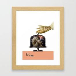 AISLAMIENTO Framed Art Print