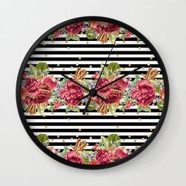Elegant Christmas - apple, cinnamon & rose Wall Clock