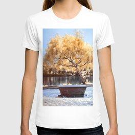Autumn Colors Bench T-shirt