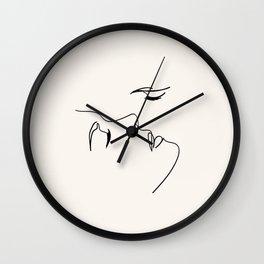 The kiss Wall Clock