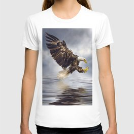 Bald Eagle swooping T-shirt
