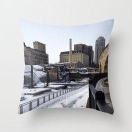 Minneapolis, Minnesota Skyline Stone Arch Bridge Throw Pillow