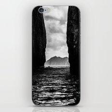 Diverge iPhone & iPod Skin
