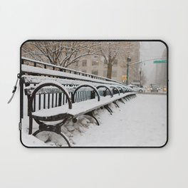 Snowing in Central Park Laptop Sleeve
