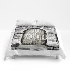 closed#01 Comforters