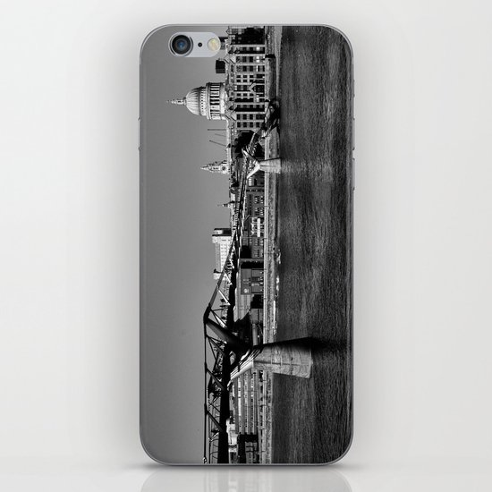 Views To St. Pauls iPhone & iPod Skin