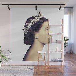 QUEEN ELIZABETH II - THE YOUNG QUEEN IN PROFILE Wall Mural