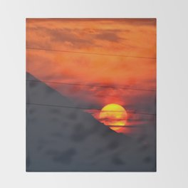 SUNSET OVER MOUNT HOOD Throw Blanket
