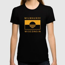 Milwaukee Wisconsin - Gold - People's Flag of Milwaukee T-shirt
