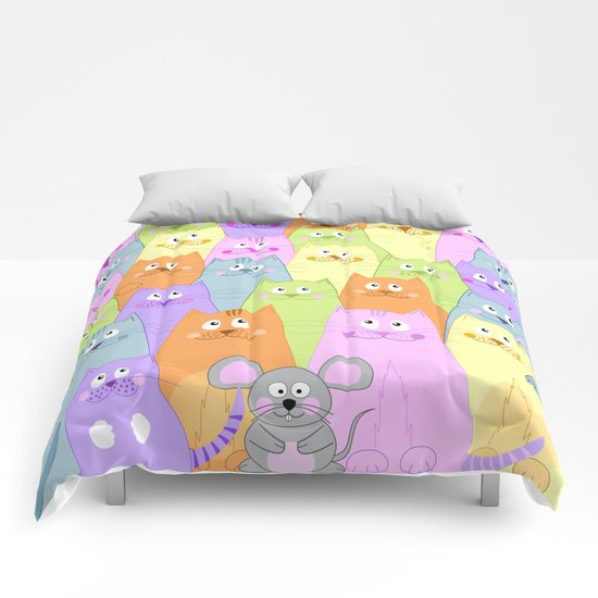 Meet my friends (cats and mouse design) Comforters