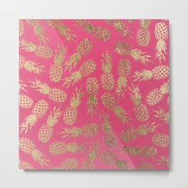 Tropical neon pink faux gold pineapple fruit pattern Metal Print