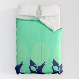 Tres Bonitas Comforters