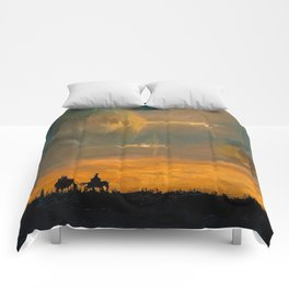 Spaceships in the Night Sky Comforters