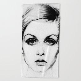 60's Eyelashes Beach Towel