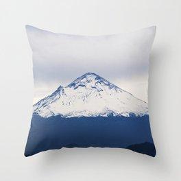 Volcano, volcan Throw Pillow