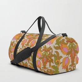 Orange, Pink Flowers and Green Leaves 1960s Retro Vintage Pattern Sporttaschen