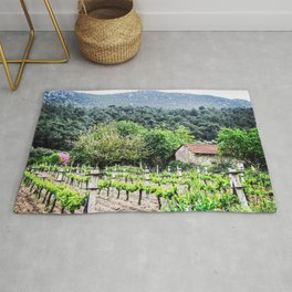 Country Farm | Cute Vineyard Cottage Farming Landscape Rolling Hills Green Mountains Grape Vines Rug