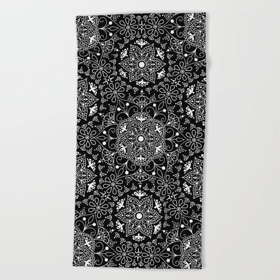 Mandala_Black and White Beach Towel