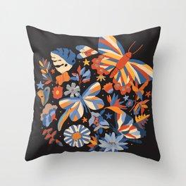 Jardin de papillons Throw Pillow
