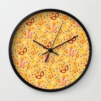 sailor venus Wall Clocks featuring Sailor Venus Pattern / Sailor Moon by jerseytigermoth