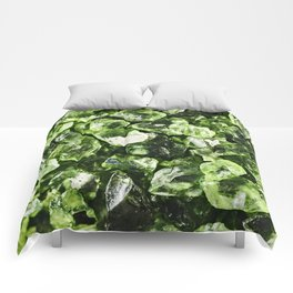 Vibrant greenery crystal rocks Comforters