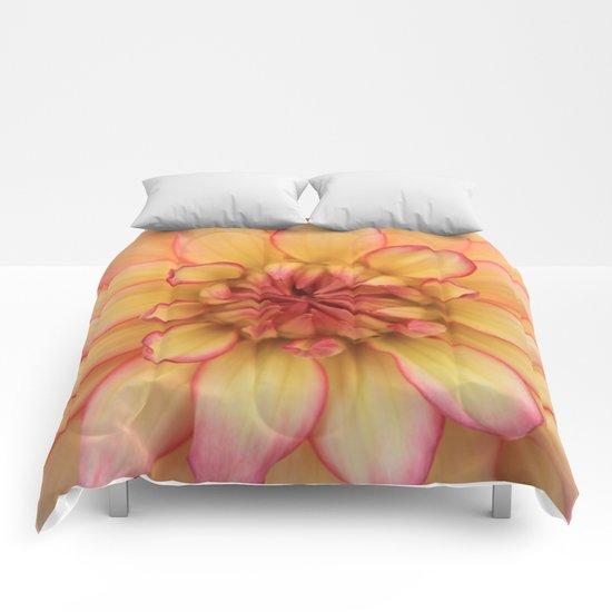 Dahlia - JUSTART © Comforters