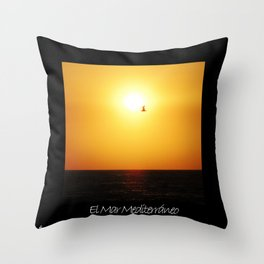 El Mar Mediterráneo Throw Pillow