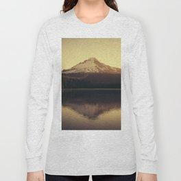 Sunrise at Trillium Lake - Oregon Adventure Long Sleeve T-shirt