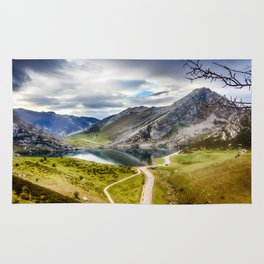 The Lakes of Covadonga, Enol Rug