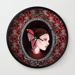 Dame Kardinal fig2 Wall Clock